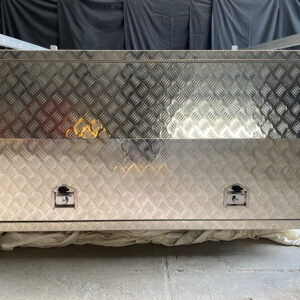 Alloy Canopy 1600 x 1770 x 860 mm Checker Plate with Roof Racks
